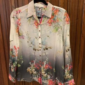 Gorgeous nature inspired Johnny Was cotton blouse